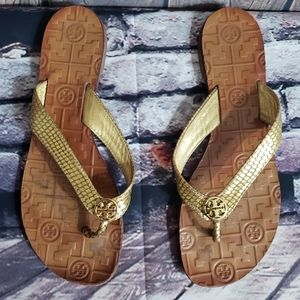 Tory burch gold Embossed leather slippers Size 8